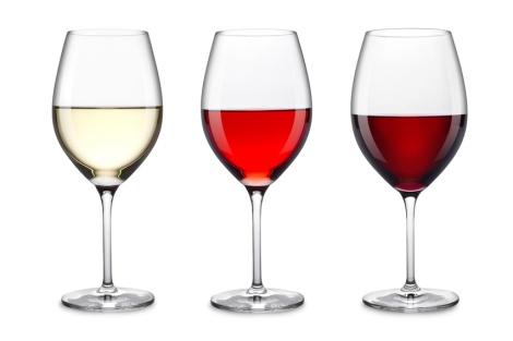 Reihe drei verschiedener Weine im Glas